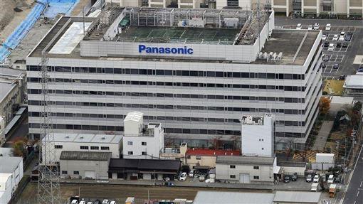 Panasonic 28日決定將退出半導體事業,將子公司「Panasonic半導體解決方案」出售給台灣新唐科技。圖為Panasonic半導體解決方案總部。(共同社提供)