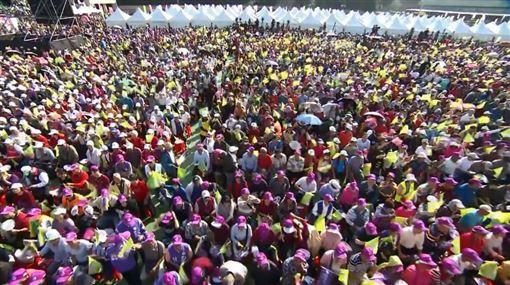 搶攻最大票倉!蔡英文新北競總成立 辣英粉擠爆現場。(圖/翻攝自民主進步黨臉書)