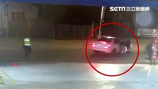 警方,掛車門落跑