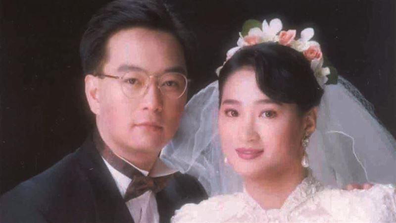 嚴凱泰逝周年/「打」到哭!籃球譜戀曲串27年夫妻情