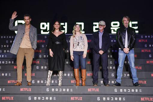 《鬼影特攻:以暴制暴》,麥可貝,萊恩雷諾斯,梅蘭妮蘿倫,安卓亞霍娜 Netflix提供