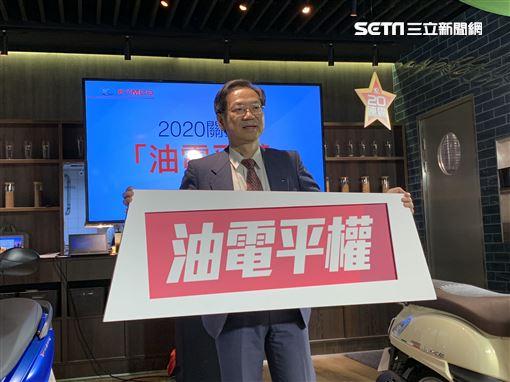 ▲KYMCO推出12月促銷方案,更領先業界推出七期環保車並加碼優惠。。(圖/鍾釗榛攝影)