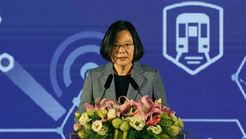 交通科技產業發展 蔡總統:未來10年投入兆元規模