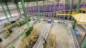 Yahoo電商新物流中心 攜手在地夥伴Yahoo奇摩電商11日首度公開自動化物流中心,與物流設備商漢錸科技、工業技術研究院、新竹物流等在地夥伴合作,費時18個月建置完成。中央社記者吳家豪桃園攝 108年11月11日