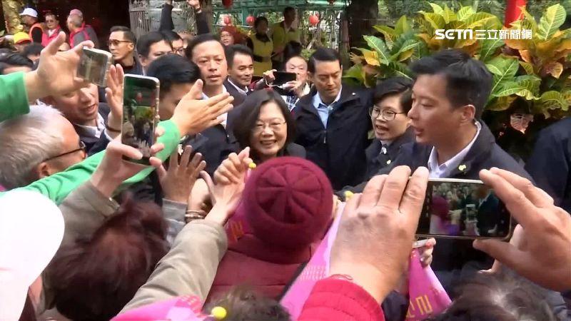 綠喊總統票贏韓「至少5萬」!蔡英文密集赴桃園輔選、固票
