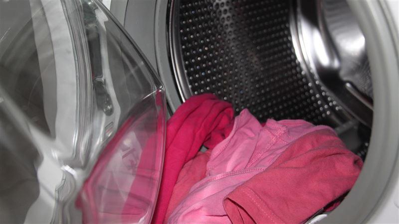 媽寶每週帶「女友髒內衣」回家洗 她怒揍公主女…再丟馬路