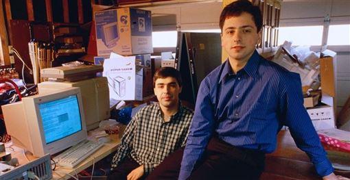 Google母公司Alphabet執行長佩吉(左)即將卸職,21年前和佩吉共同創辦Google的布林(右)也將卸職。(圖取自Google網頁about.google)