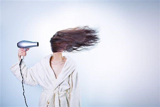 坐月子禁忌 真的不能洗澡、洗頭嗎?