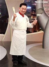 阿基師出席三立都會台「型男大主廚」14周年記者會。(記者邱榮吉/攝影)