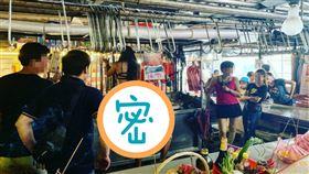 菜市場,豬肉攤,辣妹,祭祀,供品 圖/翻攝加藤軍路邊隨手拍