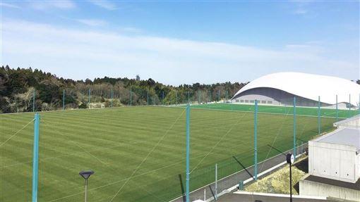 環保團體綠色和平組織4日表示,在日本福島體育設施J-Village(圖)附近偵測到輻射「熱點」。(圖取自facebook.com/Jヴィレッジ-462526820476322)