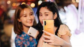 行政院會5日討論5G頻譜規劃,預計將公布4800MHz到4900MHz作為企業實驗用專頻專網。(示意圖/圖取自facebook.com/SamsungTaiwan)