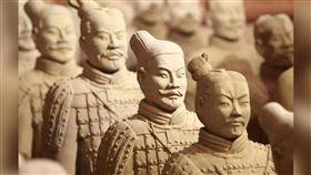 為何秦始皇陵兵馬俑都是「單眼皮」?