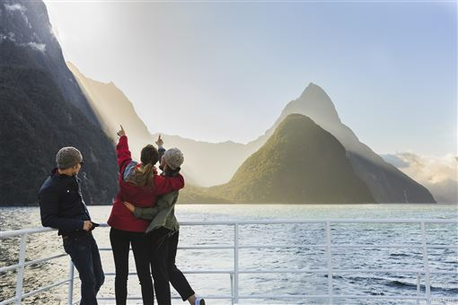 ▲親近米佛峽灣,觀賞世界第八大奇觀風光。(圖/紐西蘭航空)