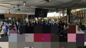 大媽,羽絨衣,默契,桃紅色,Dcard 圖/翻攝自Dcard