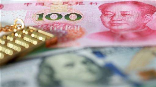美國大型社區銀行烏姆普夸銀行4日公布報告指出,受美中貿易戰的影響,美國大部分中型企業正將產品供應鏈轉向中國以外的地方。(示意圖/中新社提供)