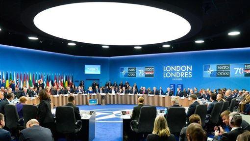 北大西洋公約組織4日在倫敦峰會發表聲明,首度提到中華人民共和國不斷擴大的影響力及其國際政策,是北約盟國需要共同應對的機遇與挑戰。(圖取自twitter.com/NATOpress)