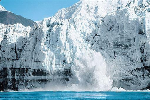 ▲冰河灣體驗冰河大片崩解的震撼(圖/公主遊輪)