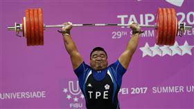 世大運舉重 陳士杰銀牌(2)台北世大運25日在淡江大學舉行男子105公斤以上級舉重比賽,中華隊選手陳士杰(圖)以抓舉190公斤、挺舉225公斤、總和415公斤的成績,獲得銀牌。中央社記者徐肇昌攝 106年8月25日