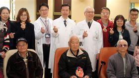 奇美醫院經導管主動脈瓣膜置換術病友會奇美醫學中心7日舉辦經導管主動脈瓣膜置換術病友會活動,邀請病友及家屬參與,安排醫護人員分享相關保健知識。中央社記者楊思瑞攝 108年12月7日