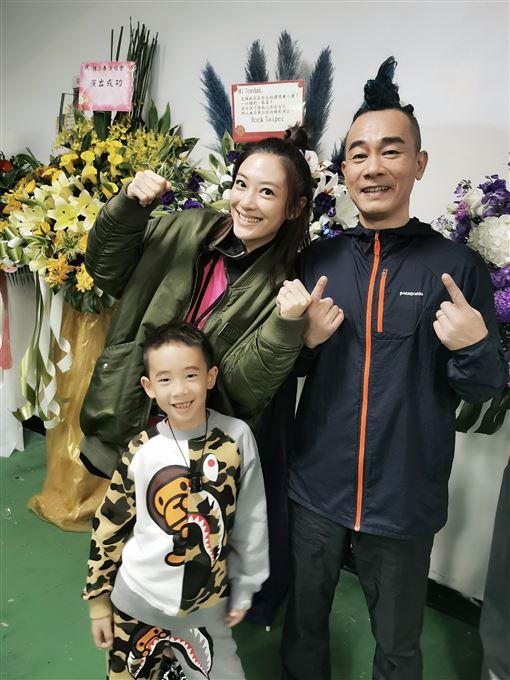 陳小春老婆應采兒和兒子jasper(海狸娛樂提供)