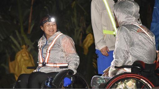 ▲五年前因高雄氣爆意外而下半身癱瘓的競速輪椅馬拉松選手「羊角姊妹」,本次也邀請了夥伴們組成明台羊角好胖胖隊。(圖/大會提供)