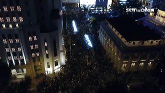 港人權日遊行!80萬人上街