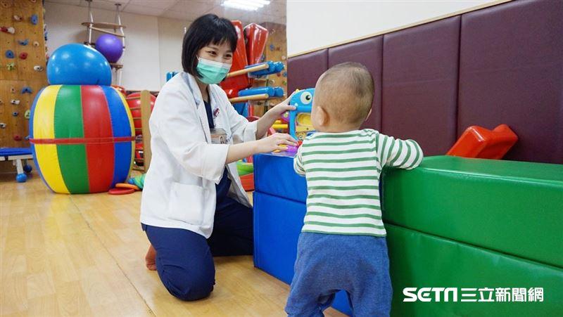 「職能治療師」任務重大!呵護孩童走過漫長復健路