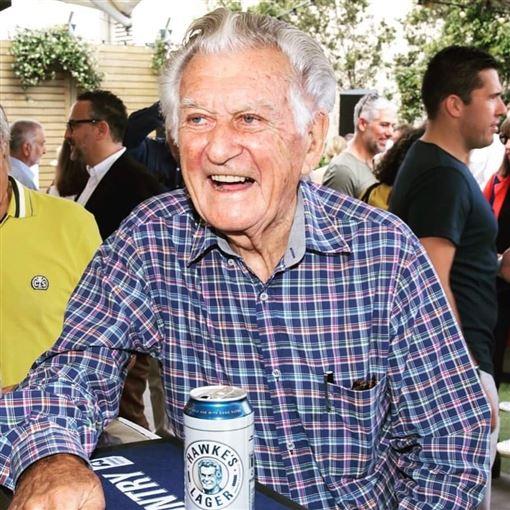 澳洲前總理霍克(Bob Hawke)(圖/翻攝自Bob Hawke臉書)