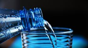 喝水,礦泉水,白開水(圖/pixabay)