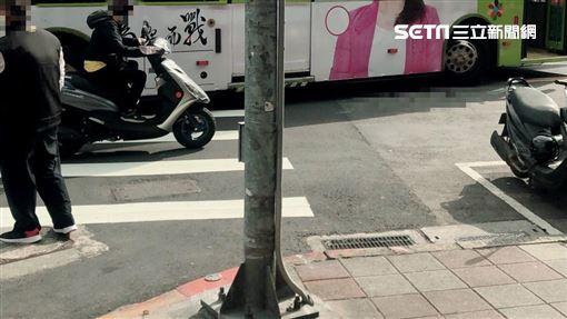台北,公車,福德街,右轉,車禍(圖/讀者提供)