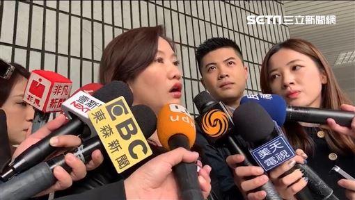 王淺秋赴警局報案 記者李依璇攝影