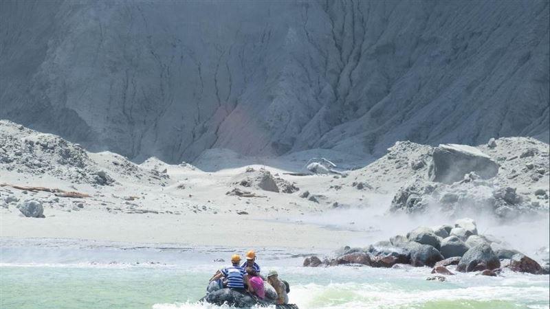 紐西蘭白島火山恐再爆發!潛水員續搜尋2失蹤者
