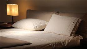 枕頭(圖/Pixabay)