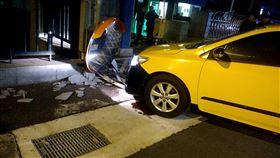 台北市,中山區,計程車,自撞,命危,軍營
