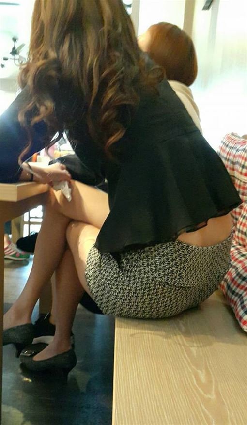 熟女,美腿,緊身裙,美尻,加藤軍路邊隨手拍 圖/翻攝自臉書加藤軍路邊隨手拍
