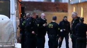 丹麥警方逮20嫌犯。(圖/翻攝自推特)
