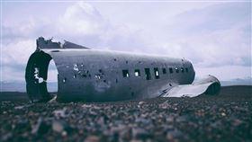 智利空軍一架載有38人的運輸機9日飛住南極洲途中失聯,空軍今日宣布,一艘參與大規模海空搜索的船隻發現海面上有可疑殘骸。(圖/翻攝自Pixabay)