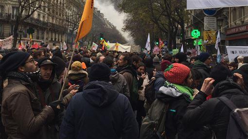 法國,全國大罷工,馬克宏,為達改革,願意讓步(圖/中央社)