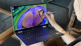 台灣惠普發表高階筆電台灣惠普11日發表多款高階頂級筆電,圖為採用OLED 4K螢幕的13吋機種。中央社記者吳家豪攝 108年12月11日