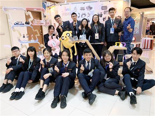 新竹市,光復中學,設計成果展,學生打造,積木堆疊櫃(圖/中央社)