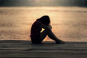 難過,沮喪,分手(圖/pixabay)