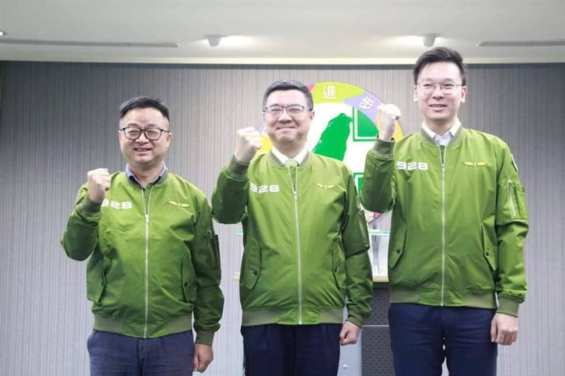功成身退!打贏總統光榮選戰 羅文嘉、林飛帆宣布辭職