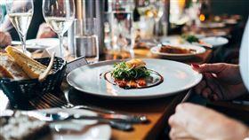 「男生說帶妳去吃飯是請客或單純帶妳去」 她發問引討論:這才是我要的答案 (圖/翻攝自Pixabay)
