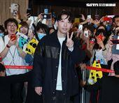 以「月薪嬌妻」演員身分爆紅星野源,飛抵台北會粉絲。(記者邱榮吉/攝影)