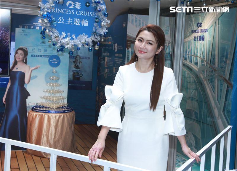 Selina任家萱 公主郵輪夢幻玻璃屋慶功開趴。(記者邱榮吉/攝影)