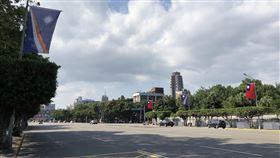 馬紹爾國旗飄揚凱道為歡迎友邦元首訪問台灣,凱達格蘭大道已掛上中華民國、馬紹爾群島的國旗。中央社記者侯姿瑩攝 108年10月24日