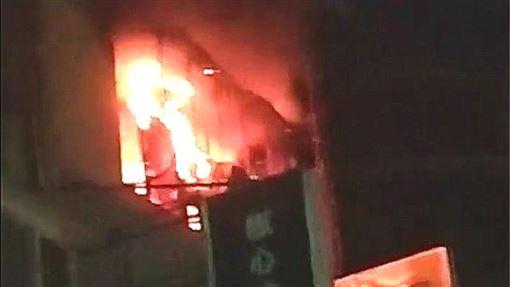 新北,板橋,火警,公寓(圖/翻攝我是板橋人)