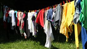 曬衣服(示意圖/翻攝自pixabay)