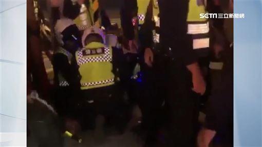 耶誕城嗆警
